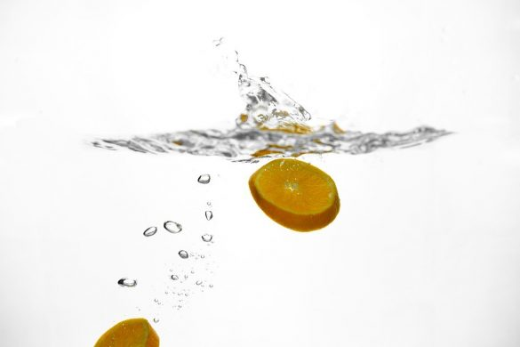 Naranja en agua
