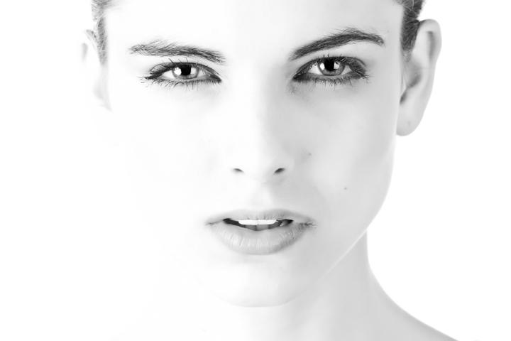 Mujer con piel normal