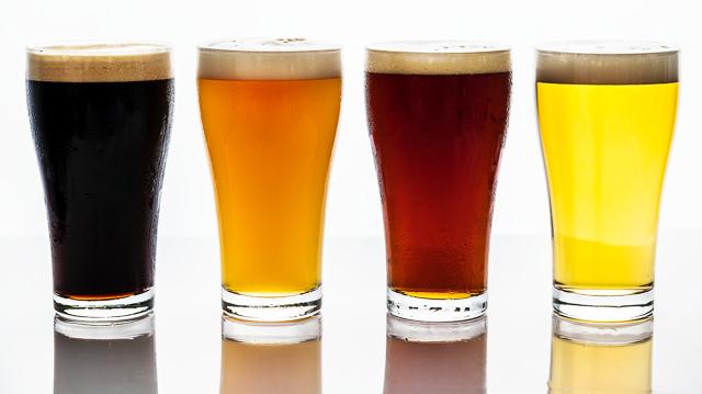 La melaza se utiliza en la fabricación de cerveza