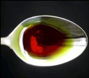 Diferente color del aceite de semilla de calabaza